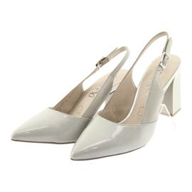 Sandały damskie na słupku Caprice 29604 szare 3