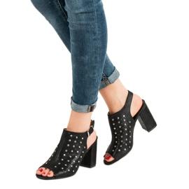 Sandałki Z Dżetami VINCEZA czarne 1