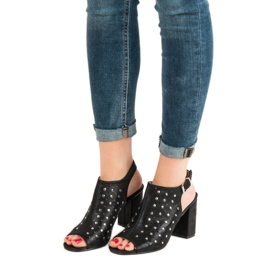 Sandałki Z Dżetami VINCEZA czarne 6