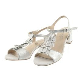 Sandały z listeczkami Caprice srebrne szare 3