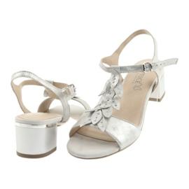 Sandały z listeczkami Caprice srebrne szare 4
