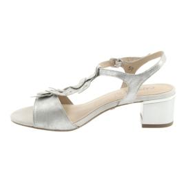 Sandały z listeczkami Caprice srebrne szare 2