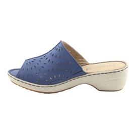 Klapki damskie koturno Caprice 27351 jeans niebieskie 2