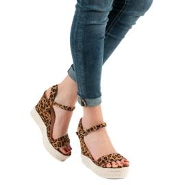 Ideal Shoes Stylowe Sandałki Na Koturnie brązowe 4