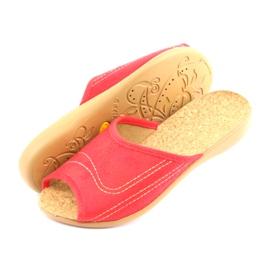 Befado obuwie damskie kapcie klapki 254d008 czerwone 4