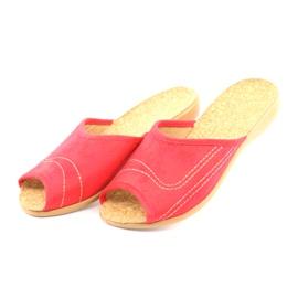 Befado obuwie damskie kapcie klapki 254d008 czerwone 3