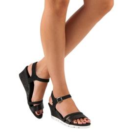 Ideal Shoes Czarne Sandały Na Koturnie 6
