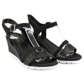 Ideal Shoes Czarne Sandały Na Koturnie 4