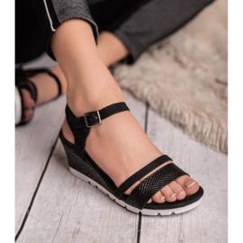 Ideal Shoes Czarne Sandały Na Koturnie 9