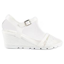 Ideal Shoes Białe Sandały Na Koturnie 1