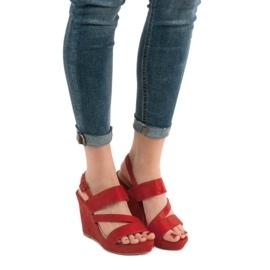 SHELOVET Sandałki Na Koturnie czerwone 1