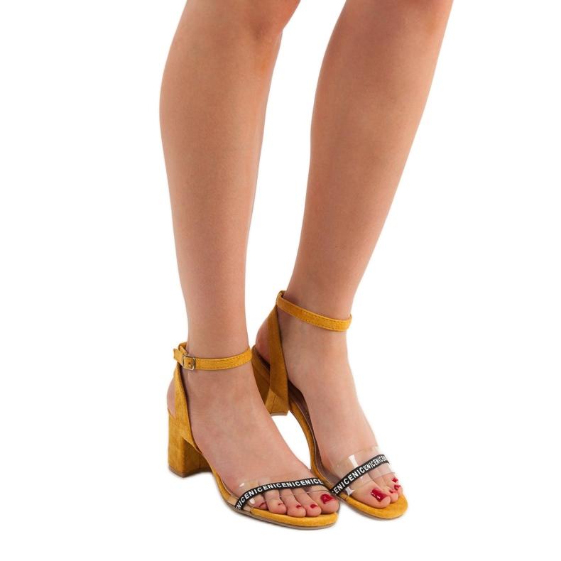 Ideal Shoes żółte Stylowe Zamszowe Sandałki zdjęcie 6