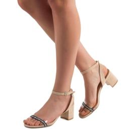 Ideal Shoes Stylowe Zamszowe Sandałki brązowe 2