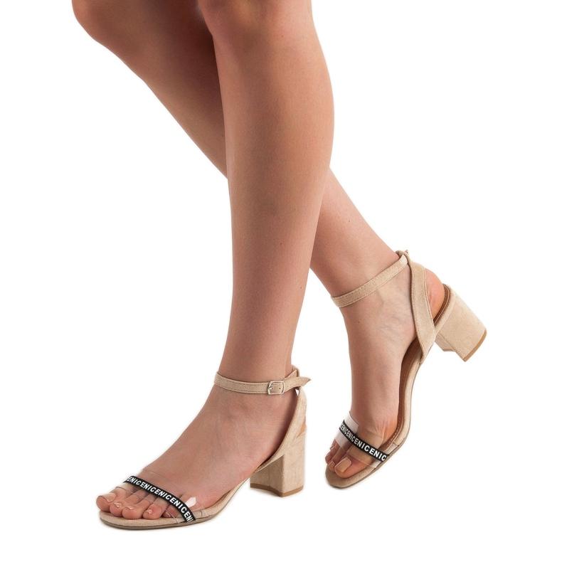 Ideal Shoes brązowe Stylowe Zamszowe Sandałki zdjęcie 2