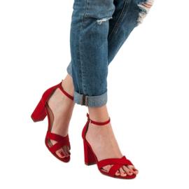 Ideal Shoes Sandałki Na Słupku czerwone 2
