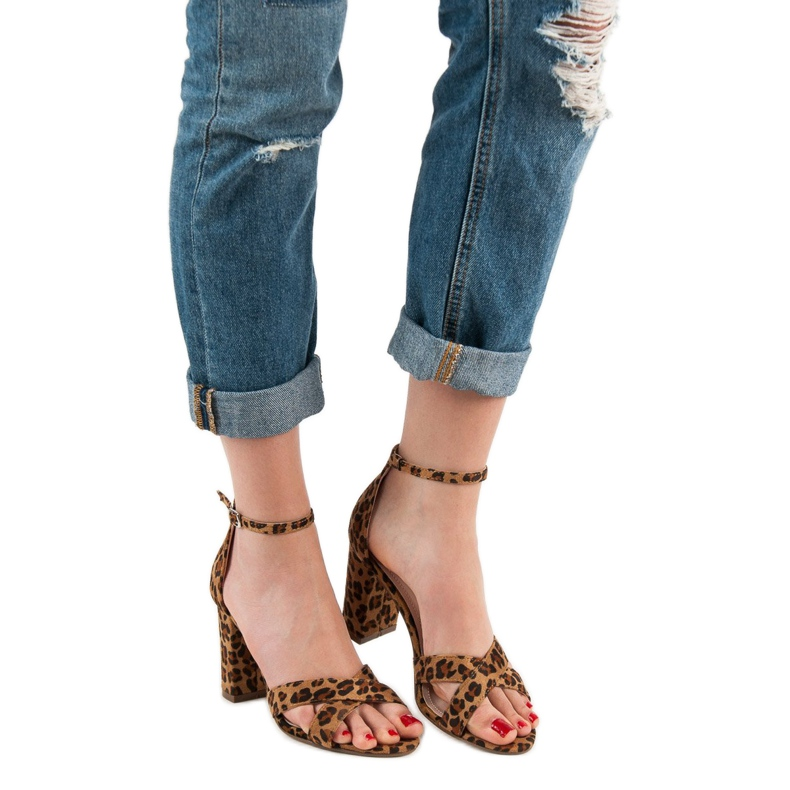 Ideal Shoes brązowe Sandałki Na Słupku zdjęcie 4