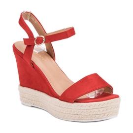 Ideal Shoes Stylowe Sandałki Na Koturnie czerwone 3