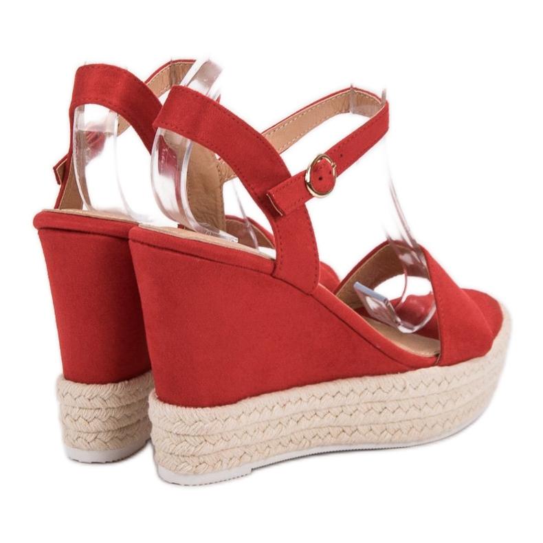Ideal Shoes czerwone Stylowe Sandałki Na Koturnie zdjęcie 1