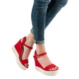 Ideal Shoes Stylowe Sandałki Na Koturnie czerwone 5