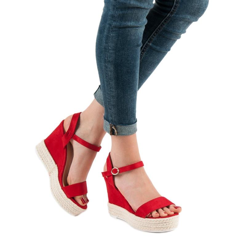Ideal Shoes czerwone Stylowe Sandałki Na Koturnie zdjęcie 5