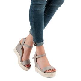 Ideal Shoes Stylowe Sandałki Na Koturnie szare 5