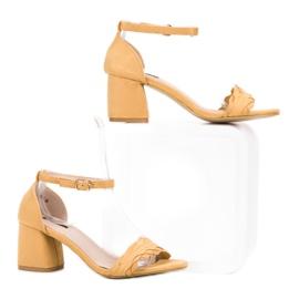 Sandałki Na Słupku VICES żółte 1