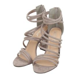 Sandałki na obcasie szare AT-0662-L Grey 5