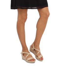 Sandałki na niskim koturnie beżowe K-3 Beige beżowy 2