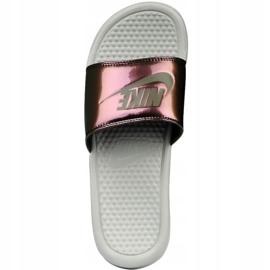 Klapki Nike Sportswear Benassi Just Do It Print W 618919-013 beżowy brązowe 1