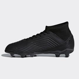 Buty piłkarskie adidas Predator 18.3 Fg Jr CP9055 czarne czarne 1