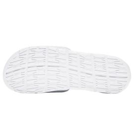 Klapki Nike Benassi Solarsoft Slide 705475-160 białe 3