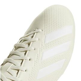 Buty piłkarskie adidas X 18.4 Fg M DB2187 beżowy białe 3