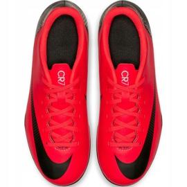 Buty piłkarskie Nike Mercurial Vapor 12 Club Gs CR7 FG/MG Jr AJ3095-600 czerwone wielokolorowe 2