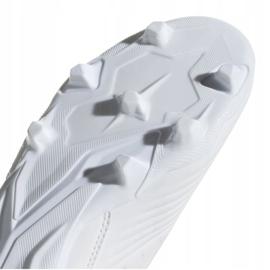 Buty piłkarskie adidas Predator 19.3 Fg Jr CM8535 białe wielokolorowe 5
