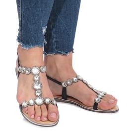 Czarne płaskie sandały z diamentami Indulge 2
