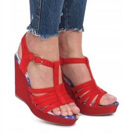Czerwone sandały na koturnie Ankard 2
