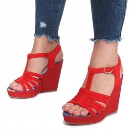 Czerwone sandały na koturnie Ankard 5