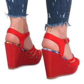 Czerwone sandały na koturnie Ankard 4