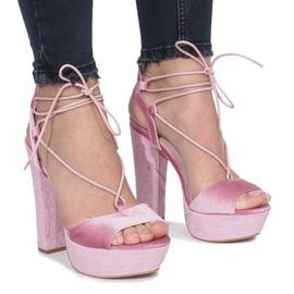 Różowe sandały na słupku z weluru Give It Up 1