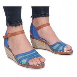 Niebieskie sandały na niskiej koturnie Monro 2
