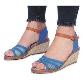 Niebieskie sandały na niskiej koturnie Monro 1