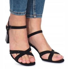 Czarne sandałki na obcasie 62225 2
