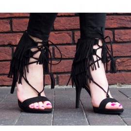 Sandały na szpilce z frędzlami Boho 8125 Czarny czarne 1