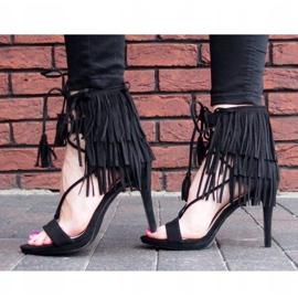 Sandały na szpilce z frędzlami Boho 8125 Czarny czarne 3