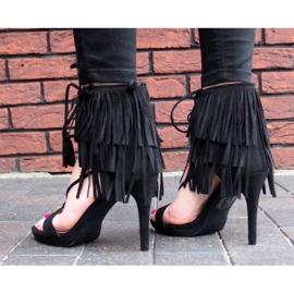 Sandały na szpilce z frędzlami Boho 8125 Czarny czarne 5