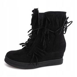 Sneakersy Na Koturnie Z Frędzlami Boho 881-2 Czarny czarne 1