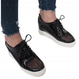 Czarne Lakierowane Ażurowe Sneakersy Adele 3