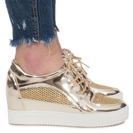 Złote Lakierowane Ażurowe Sneakersy Adele złoty 3