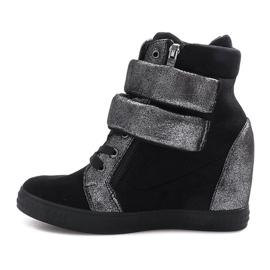 Czarne zamszowe sneakersy na rzepy Amelia 2