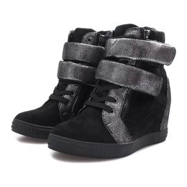 Czarne zamszowe sneakersy na rzepy Amelia 3
